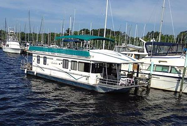 1992 Somerset 58 House Yacht