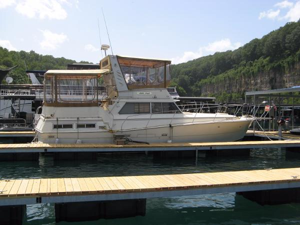 Viking yachts 43 boats for sale for Viking 43 double cabin motor yacht