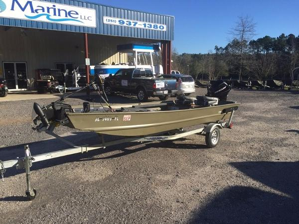 2014 TRACKER BOATS Bass Tracker Topper 1542 LW Riveted Jon