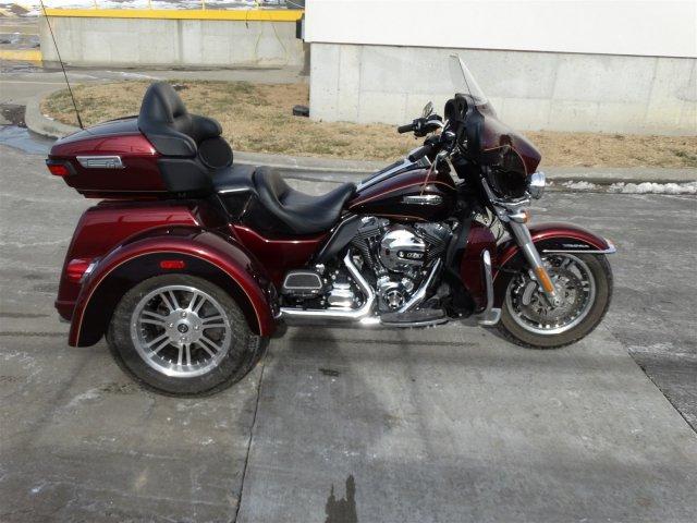 2014 Harley-Davidson Trike Tri Glide Ultra Classic FLHTCUTG