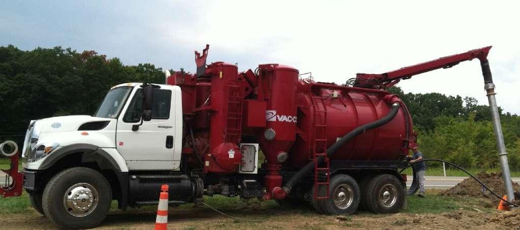 2009 Vac-Con Wet/Dry Vacuum Loader W/ Hxx Tanker Trailer