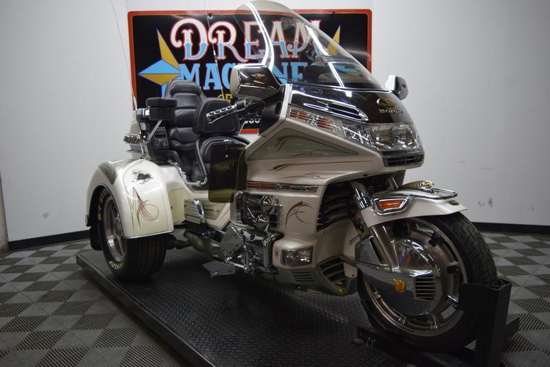 2000 Honda Gold Wing Trike - GL1500SE *Manager's Sp
