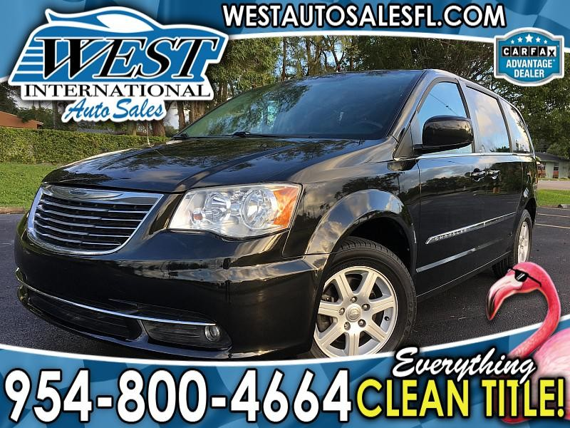 2013 Chrysler Town & Country 4d Wagon Touring