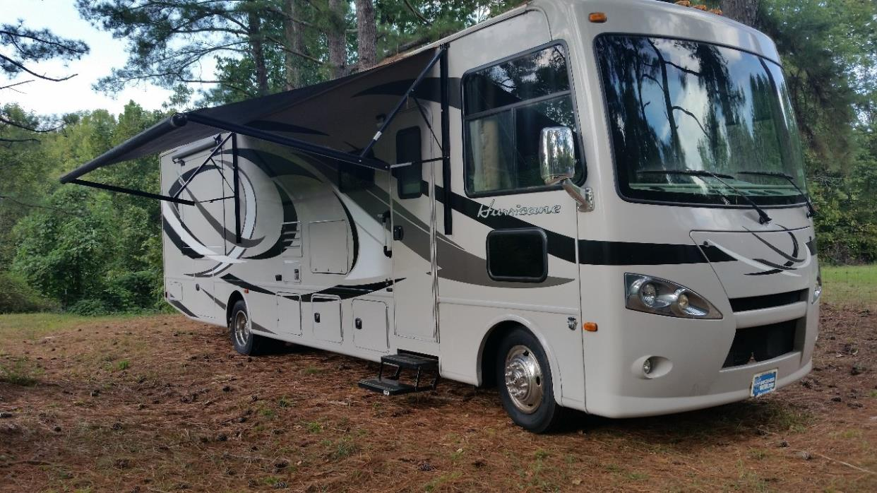 2013 Thor Motor Coach HURRICANE 34E