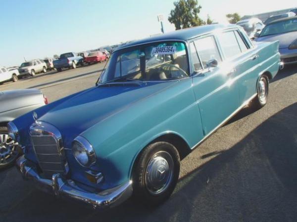 1966 MERCEDES-BENZ 230