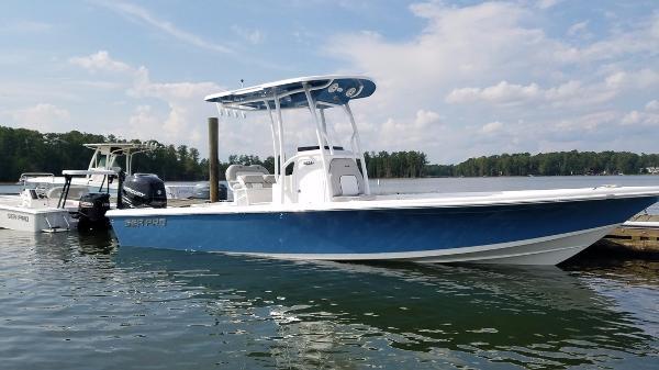 2017 Sea Pro 248 DLX Bay Series