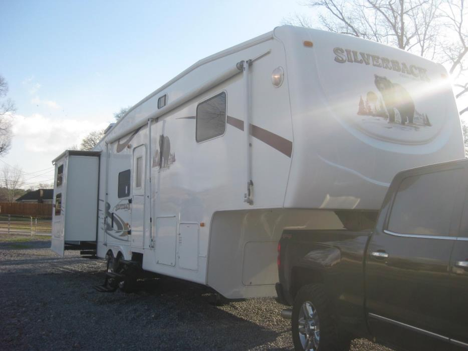 2006 Forest River cedar creek silverback