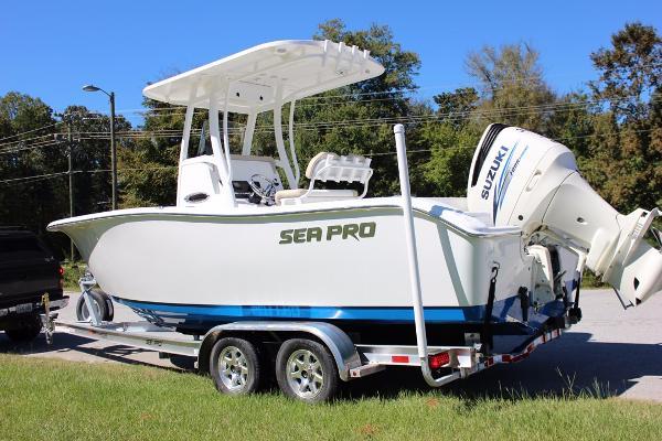 2017 Sea Pro 239 Center Console