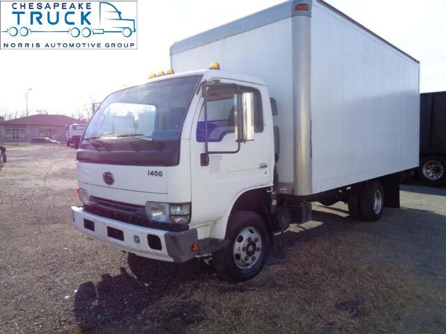 2002 Ud 1400  Box Truck - Straight Truck
