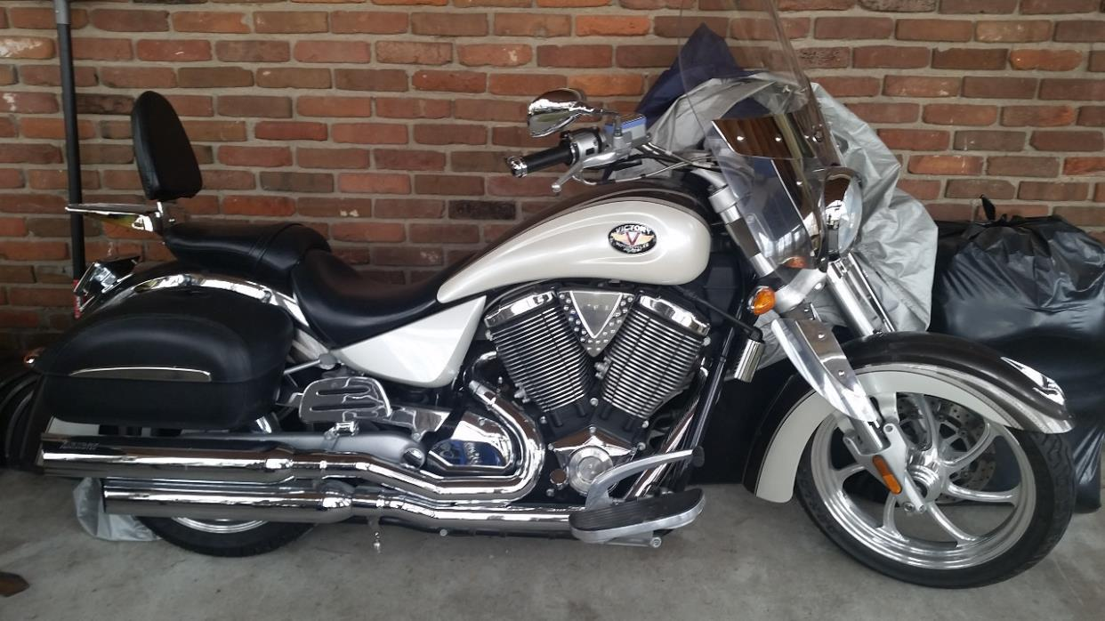 2004 Victory KINGPIN DELUXE