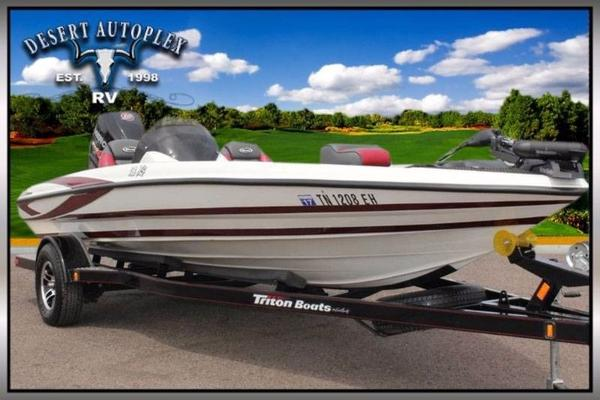 2015 Triton 18 XS Bass Boat Extra Clean