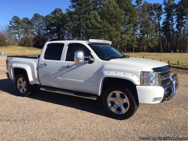 2007 SILVERADO 1500 CREW CAB 3000$