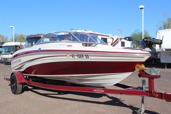 2010 Tahoe Q5i Ski/Fish Boat
