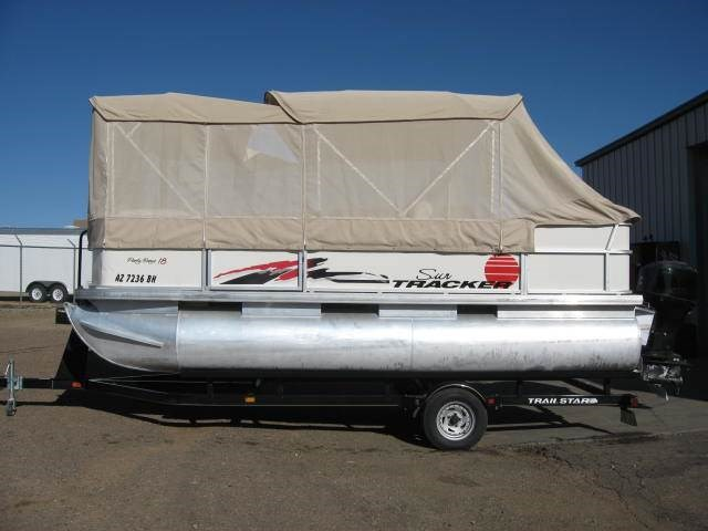 2005 Sun Tracker PARTY BARGE 18 Signature Series