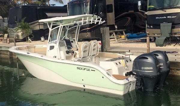 2017 Sea Fox 266 Commander