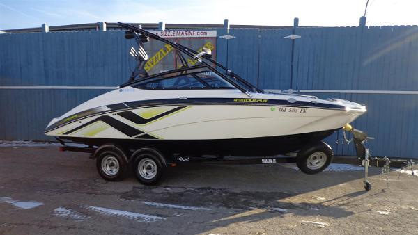 2015 Yamaha Sport Boat 212 X