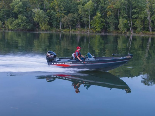 2015 TRACKER BOATS SUPER GUIDE V-16 SC