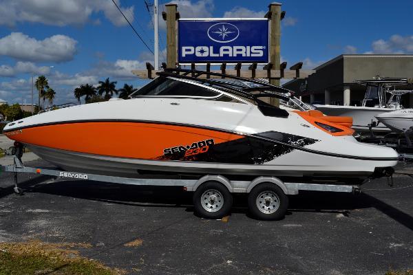 2012 Sea-Doo Sport Boats Challenger 230 SE
