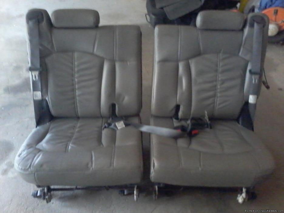 00-07 Tahoe 3rd row leather seats
