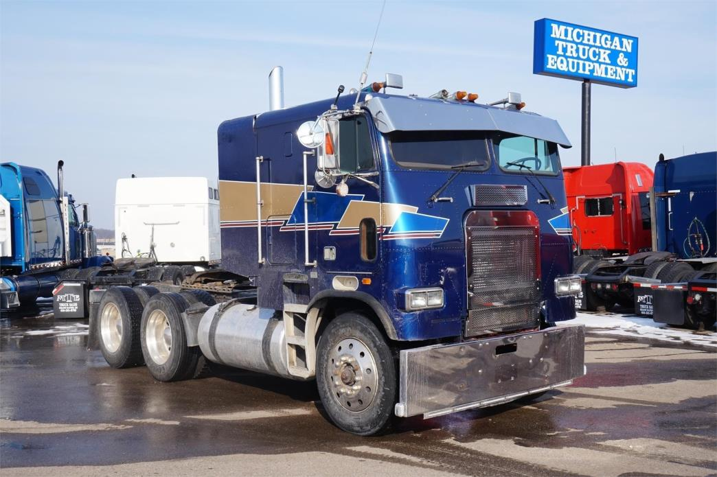 1988 Freightliner T086  Cabover Truck - Sleeper