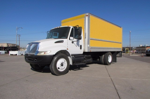2006 International 4300  Dry Van