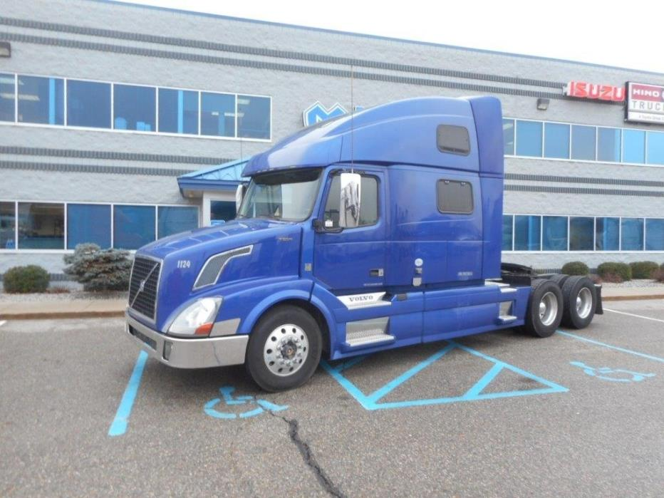 2015 Volvo Vnl64t-780 Conventional - Sleeper Truck
