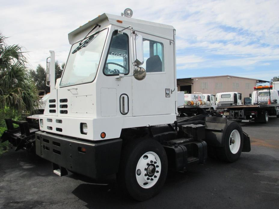 1997 Capacity Tj5000  Yard Spotter Truck