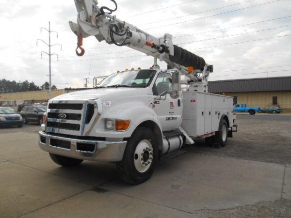 2015 Versalift Tmd-50  Crane Truck