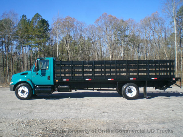 2007 International 4200 Non Cdl Long Rack Just 25k Actual Miles Flatbed Truck