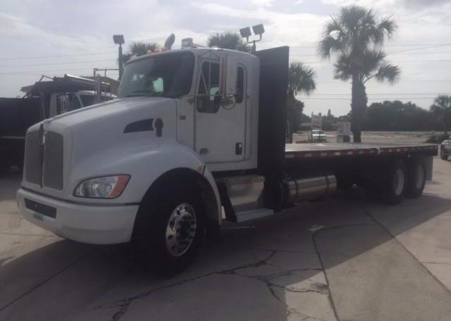 2017 Kenworth T370  Flatbed Truck