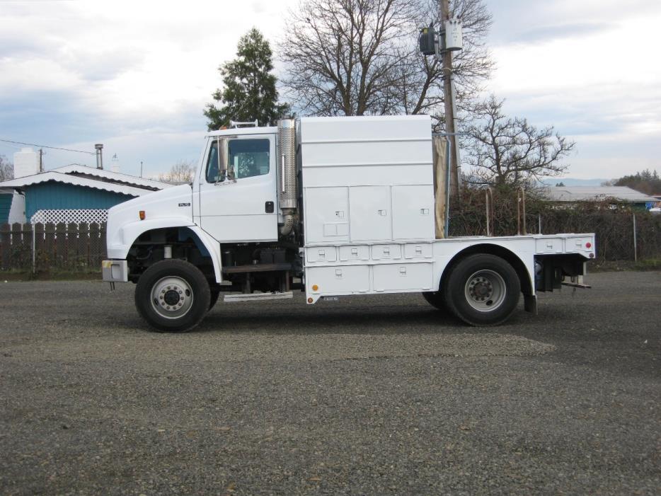2005 Freightliner Fl70  Utility Truck - Service Truck