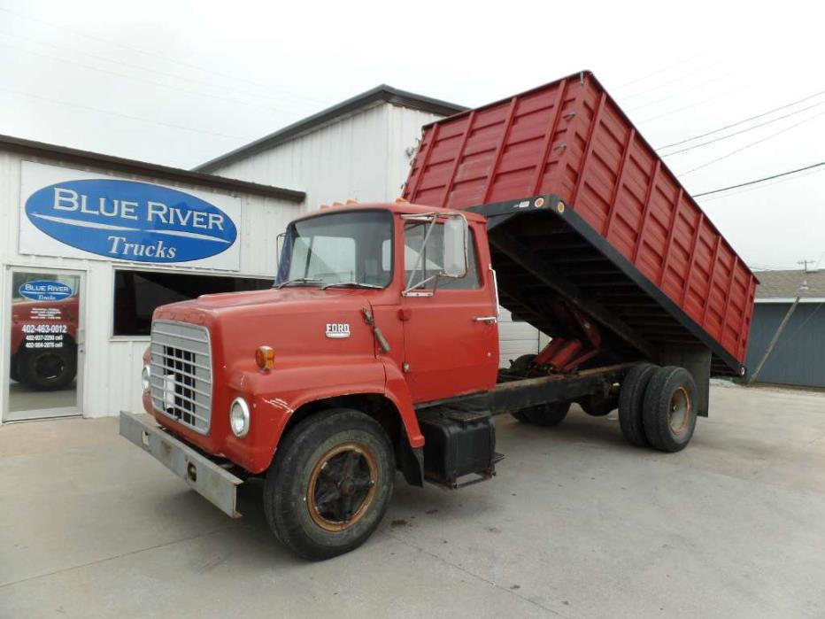 1973 Ford 700  Farm Truck - Grain Truck