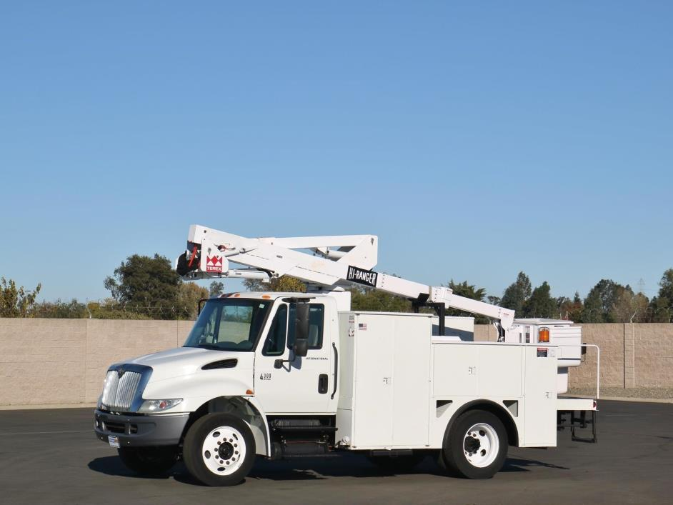 bucket truck for sale in sacramento california. Black Bedroom Furniture Sets. Home Design Ideas