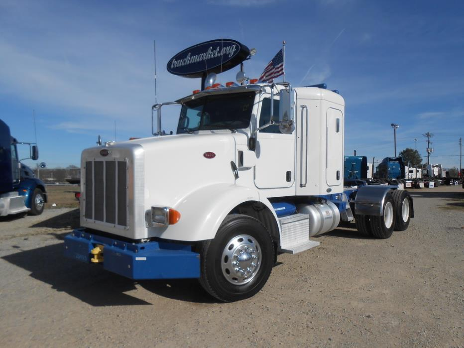 2009 Peterbilt 365 Conventional - Sleeper Truck