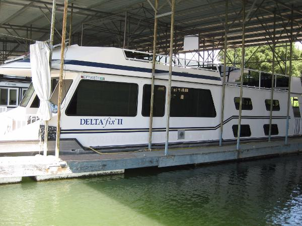 1993 Fun Country Houseboat