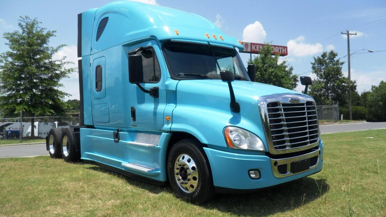 2014 Freightliner Cascadia 125 Evolution Conventional - Sleeper Truck