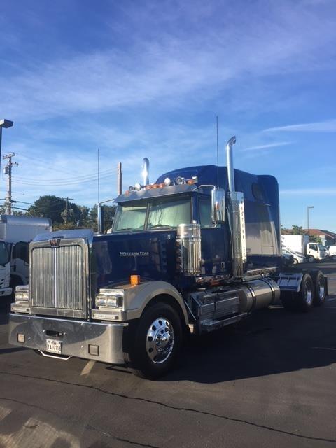 2016 Western Star 4900ex Conventional - Sleeper Truck