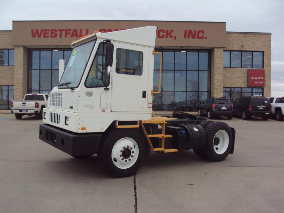 2011 Ottawa 4x2  Yard Spotter Truck