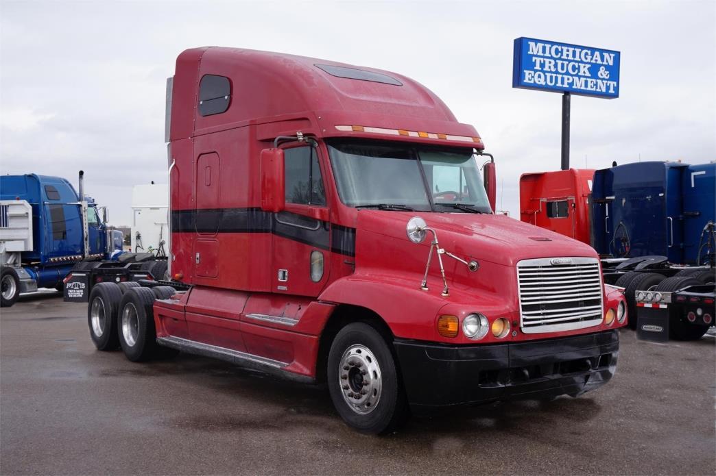 1999 Freightliner Century 120  Conventional - Sleeper Truck