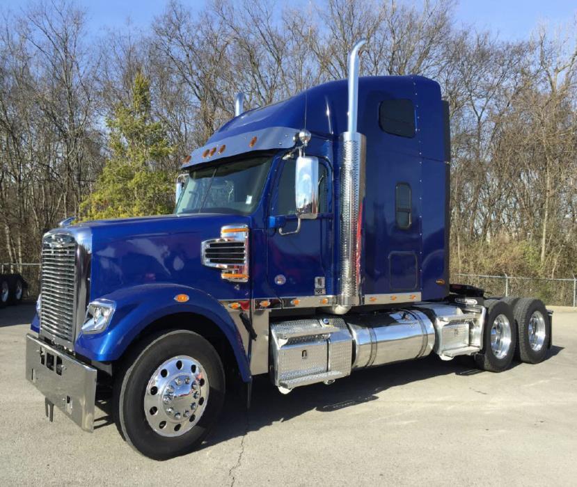 2017 Freightliner 122 Sd Conventional - Sleeper Truck