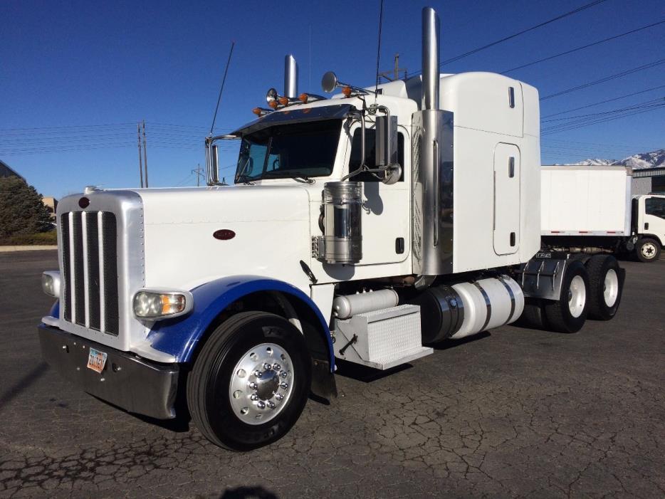 2012 Peterbilt 388  Conventional - Sleeper Truck