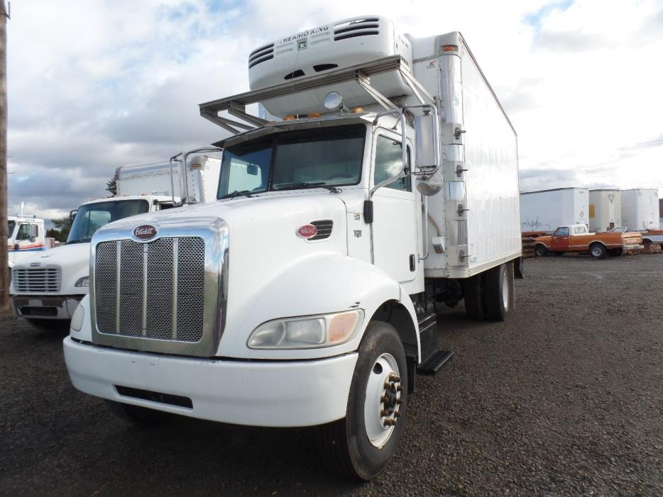 2005 Peterbilt 330 Refrigerated Truck