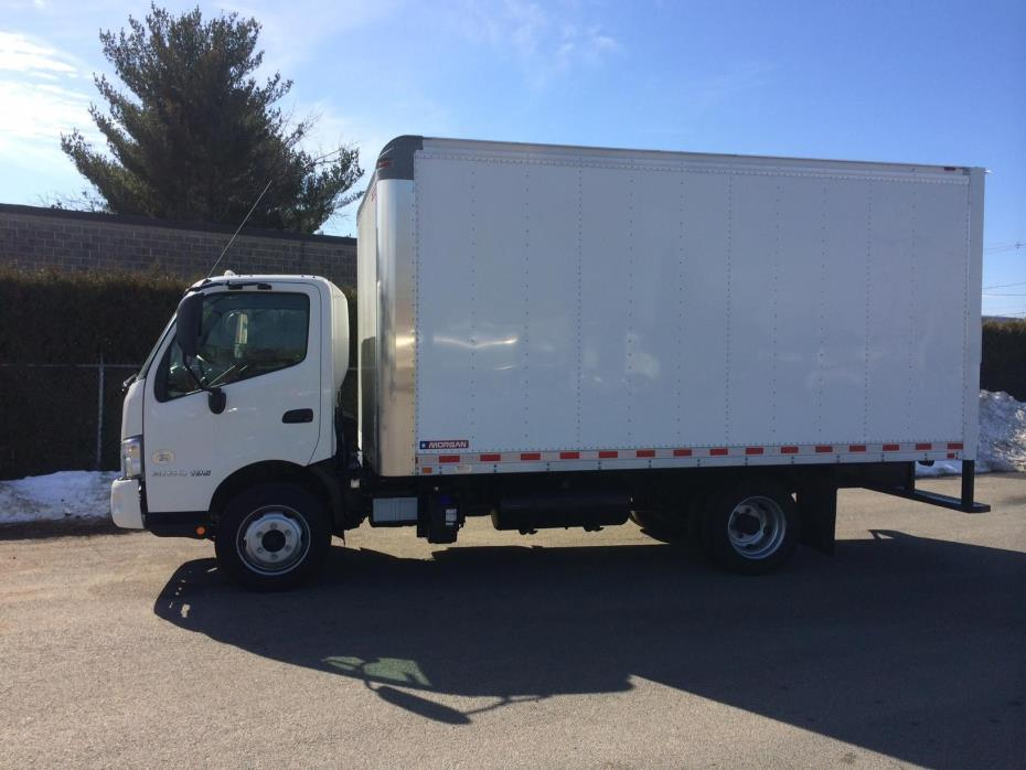 2015 Hino 195  Box Truck - Straight Truck