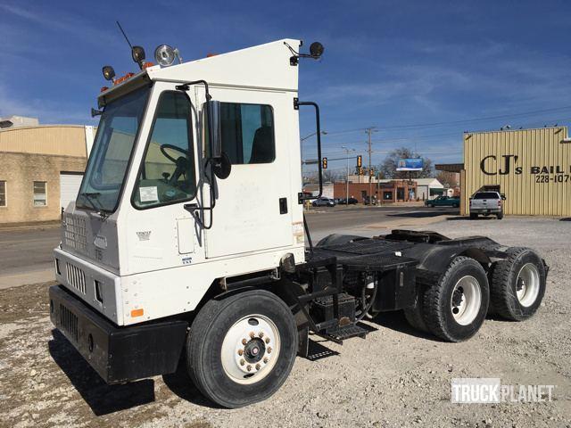 2008 Ottawa  Yard Spotter Truck