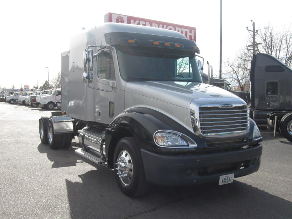 2007 Freightliner Columbia Cl12064st  Tractor