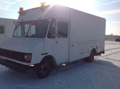 2000 Workhorse P30  Cargo Van
