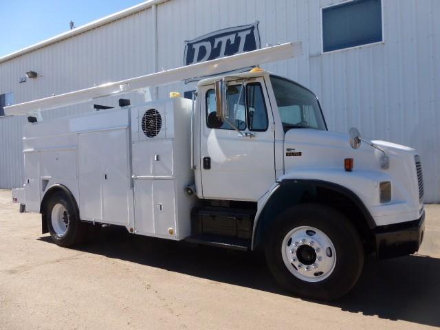 2002 Freightliner Fl70  Utility Truck - Service Truck