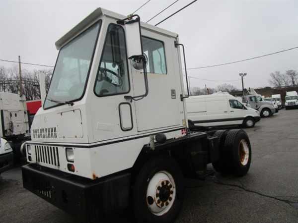 2000 Ottawa Yt30t  Yard Spotter Truck