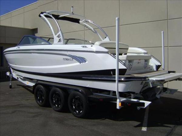 2016 Cobalt Boats A28