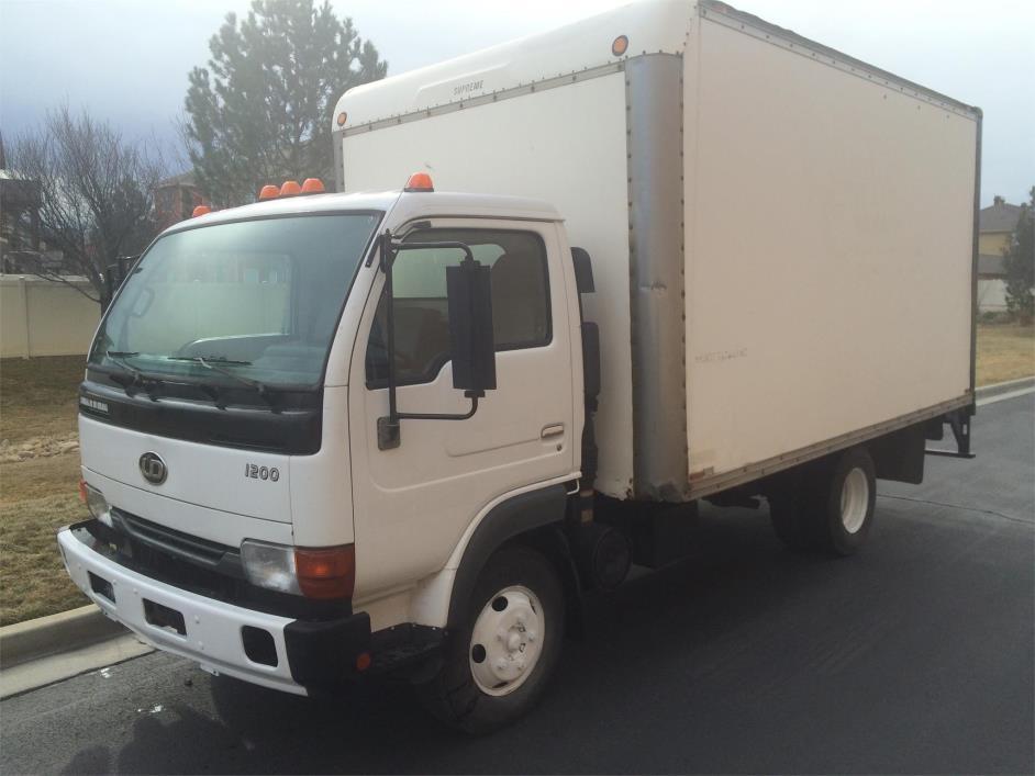 2004 Ud 1200 Cargo Van